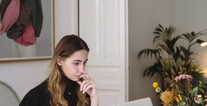 photo-of-woman-using-laptop-3747446-1-683x1024